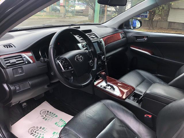 Купить Toyota Camry (Черный металлик) - Автопарк Ставрополь