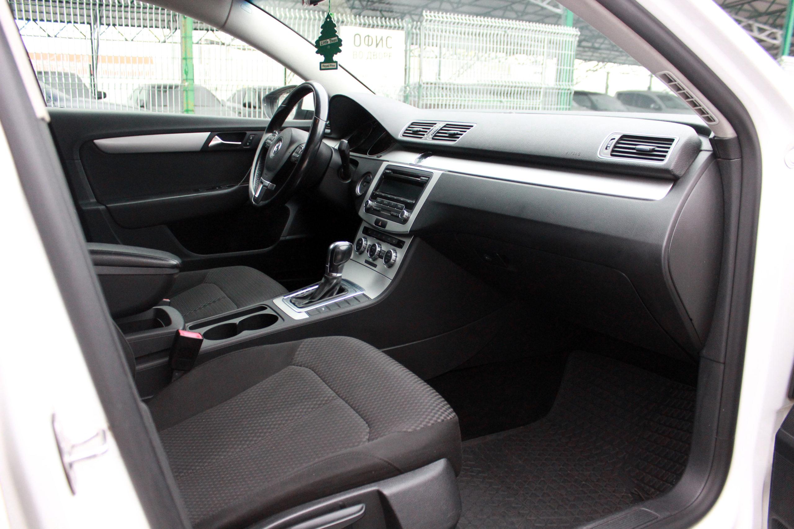 Купить Volkswagen Passat (Белый) - Автопарк Ставрополь