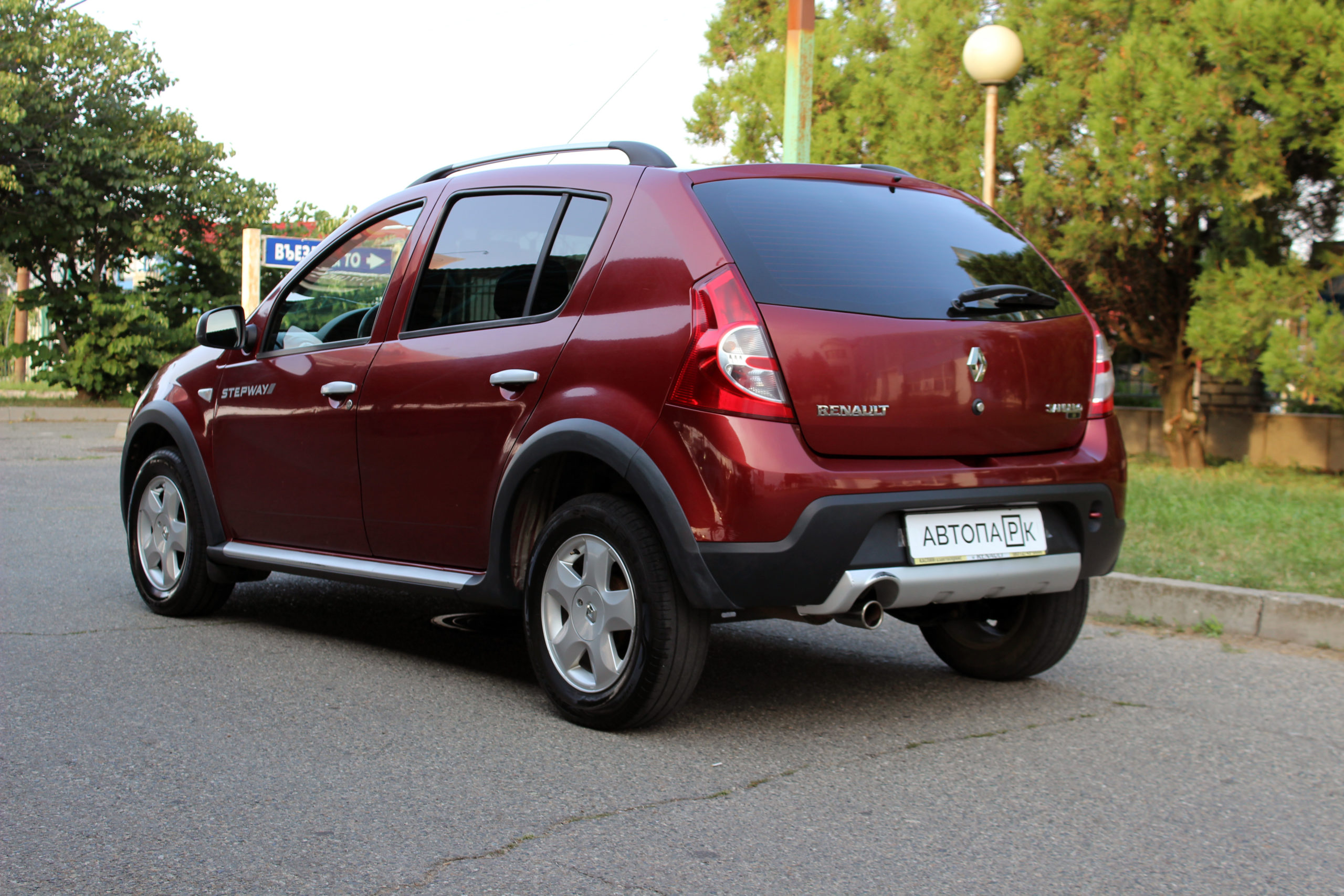 Купить Renault Sandero Stepway (Красный) - Автопарк Ставрополь